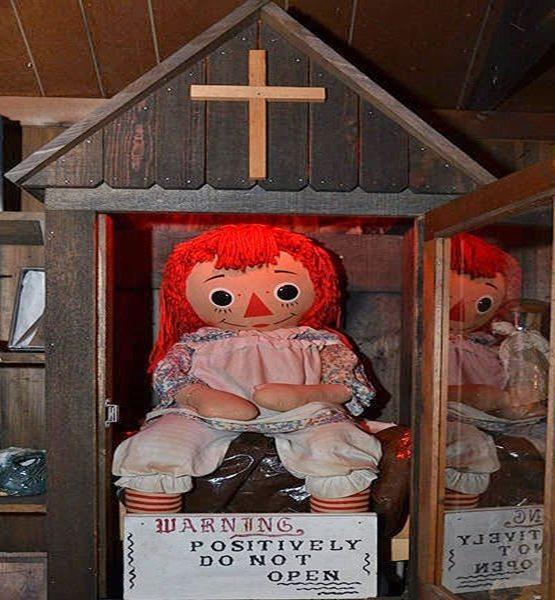Conheça a verdadeira história da boneca Annabelle